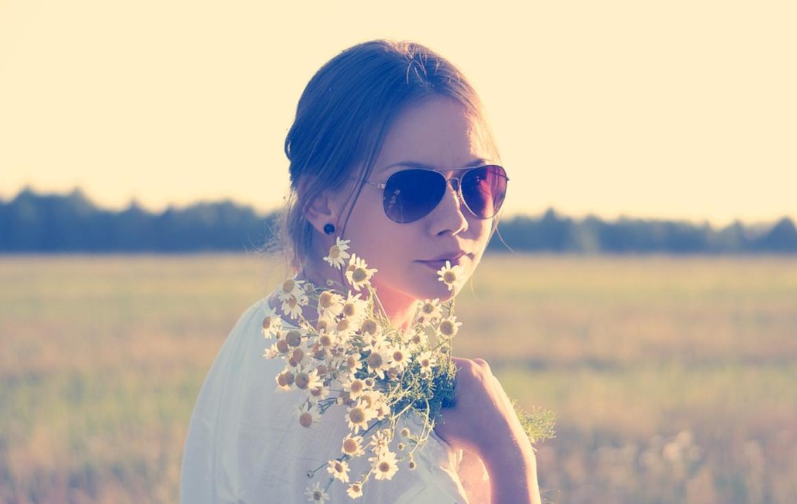 brýle a žena
